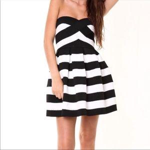 NWT Sans Souci Strapless Bandage Dress